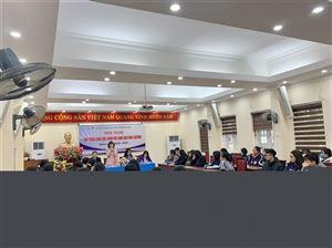 Hội nghị đối thoại giữa học sinh và lãnh đạo trường THPT Yên Hòa.