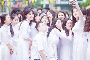 Lễ chào cờ đặc biệt của học sinh K56 Trường Cấp 3 Yên Hòa
