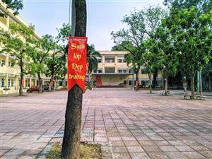 Teen THPT Yên Hòa chung tay xây dựng thế giới xanh trong khuôn viên trường học