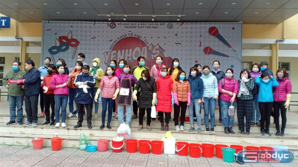 Toàn bộ giáo viên trường THPT Yên Hòa tham gia phòng dịch corona